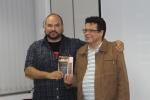 """Alvaro ganhou o livro """"A casa"""" no final."""